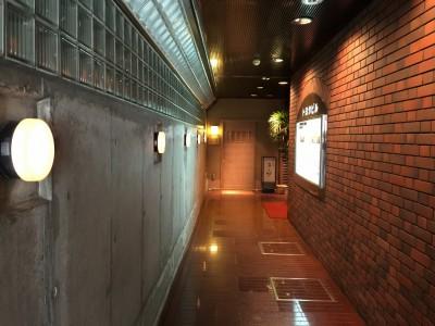 トヨタビル1階の奥