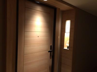 蓮の部屋入口ドア