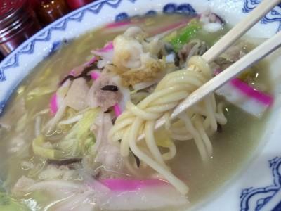 バクダンチャンポンの麺