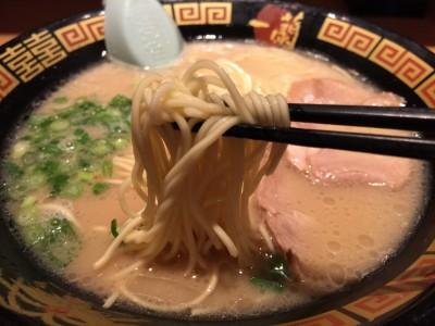 一蘭の麺は細麺