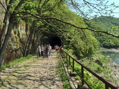 廃路線のトンネル