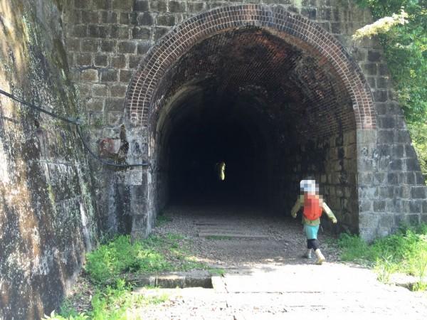 トンネルと廃路線