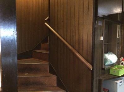 旬鮮厨房 きらく心・2階へ続く階段