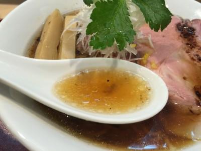 しっかり鴨だし醤油「味玉紀州鴨そば」スープ