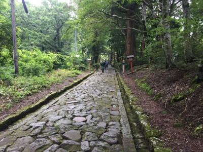 大神山神社奥宮・参道石畳2