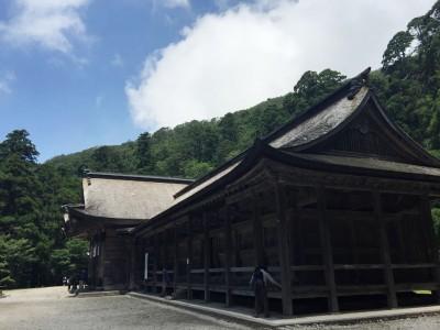 日本最大級の権現造りの神社