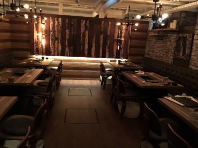 WAGYUdoki茶屋町店内・テーブル席2