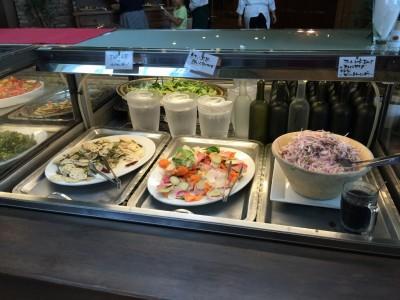 「蓮根と山菜のペペロンチーノ」「紅心大根と冬瓜・人参のサラダ」「アーリーレッド玉ねぎのスライスサラダ~自家製ビールドレッシングで~」