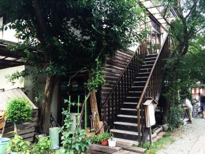 2階へ直接上がる階段