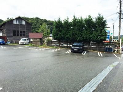 山のパン駐車場