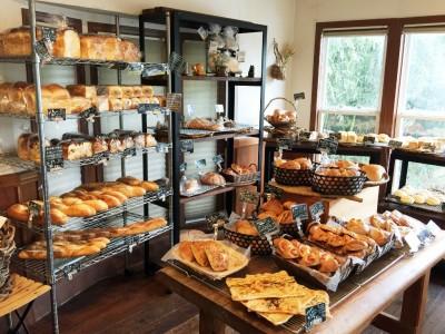 山のパン店内