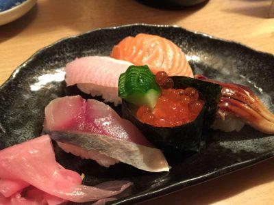 お寿司(にぎり5貫)