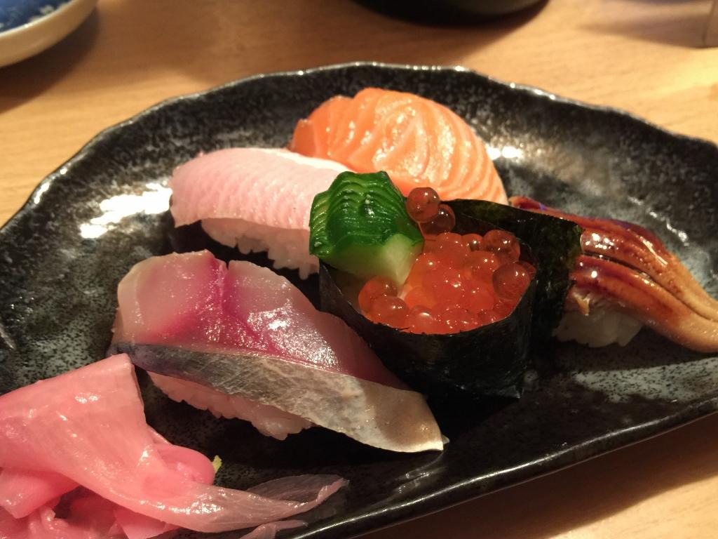 大阪・十三の激安寿司屋「ふじ家」