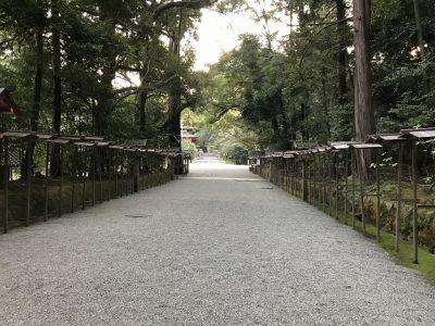 石上神宮・境内へ向かう参道