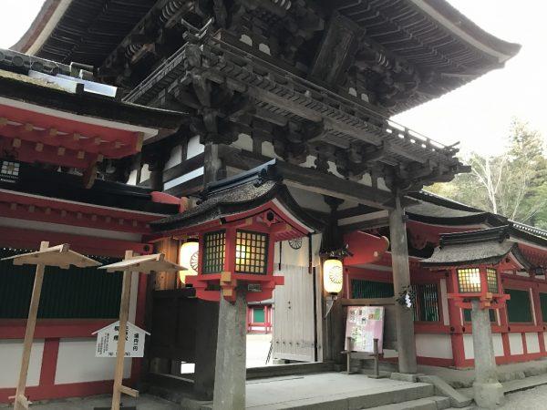 石上神宮・楼門