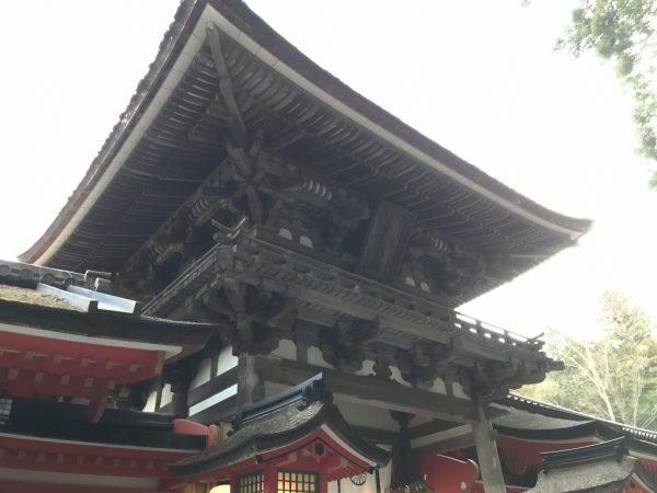 石上神宮・楼門2