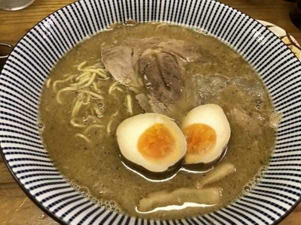 レギュラー魚介豚骨醤油ラーメン