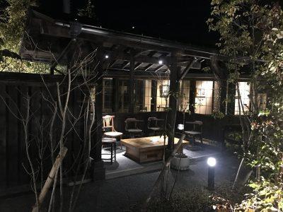 中庭の喫煙所