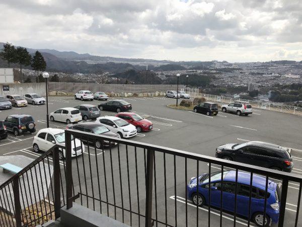 ホテル奥の駐車場