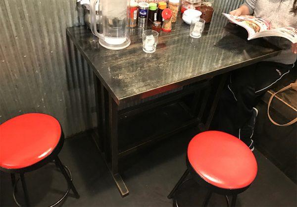 テーブル席(3人掛け)