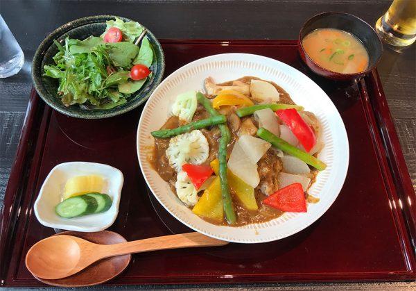 地場野菜一日分カレー