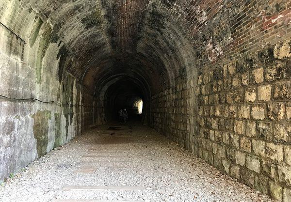 廃線敷トンネル