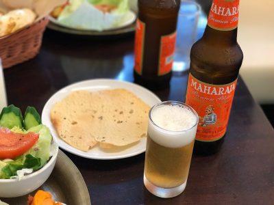 ビールとパーパド(豆のせんべい)