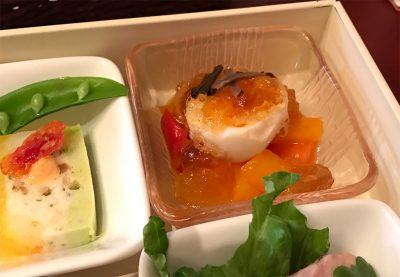 ボイル・ド・エッグと野菜のトリュフ風味