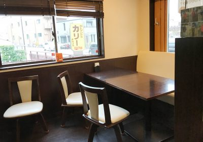 カトマンドゥカリーPUJA・テーブル席