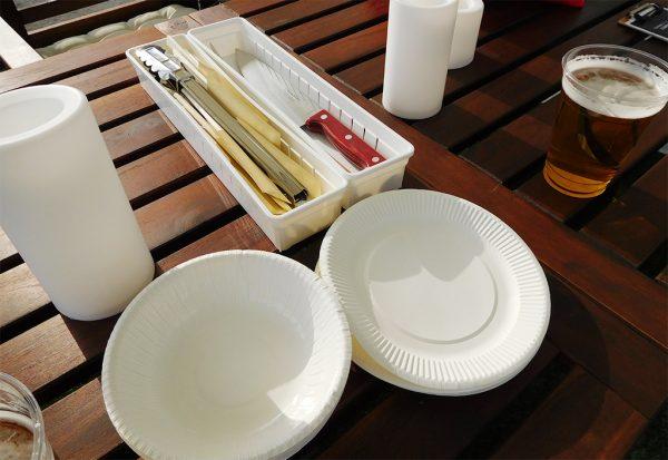皿・包丁・箸・トングなど