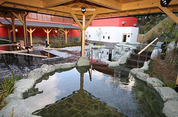 天然温泉「箕面美人の湯」