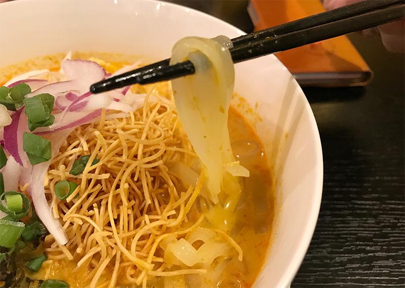カオソーイ 米麺