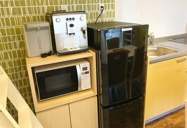 冷蔵庫 電子レンジ ポット コーヒーマシン