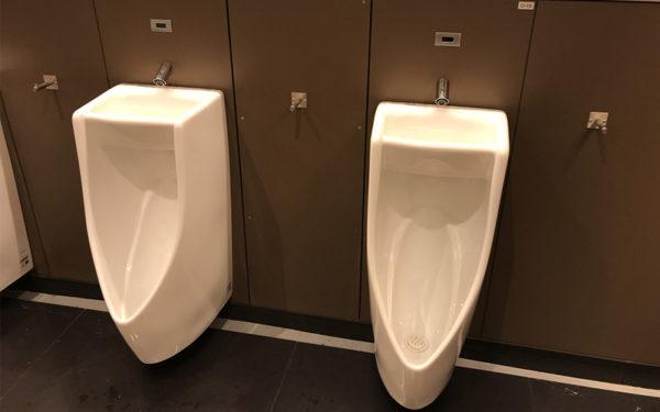 宝塚北SA 男子トイレ