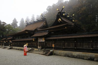 熊野本宮大社 拝殿 本殿