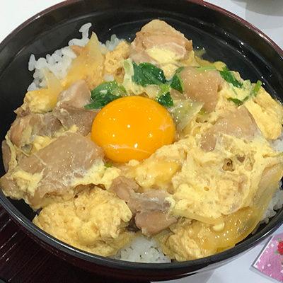 宝塚北サービスエリア フードコート ランチ 親子丼 海鮮丼