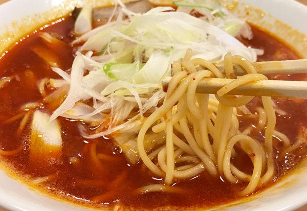 和歌山ラーメン まるイ ピリ辛ラーメン 麺