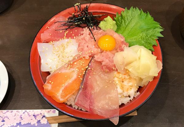 立ち食い寿司屋 立ち飲み すしいち 海鮮丼
