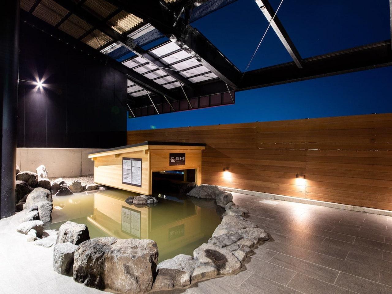 用宗みなと温泉 富士見露天風呂