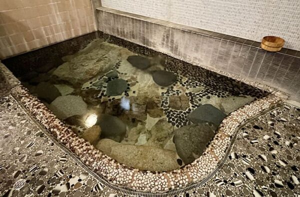 岡山 鏡野町 奥津温泉 奥津荘 自然湧出 温泉 自噴泉 鍵湯